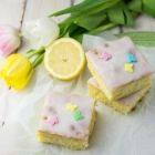 Lemon drizzle cake bars