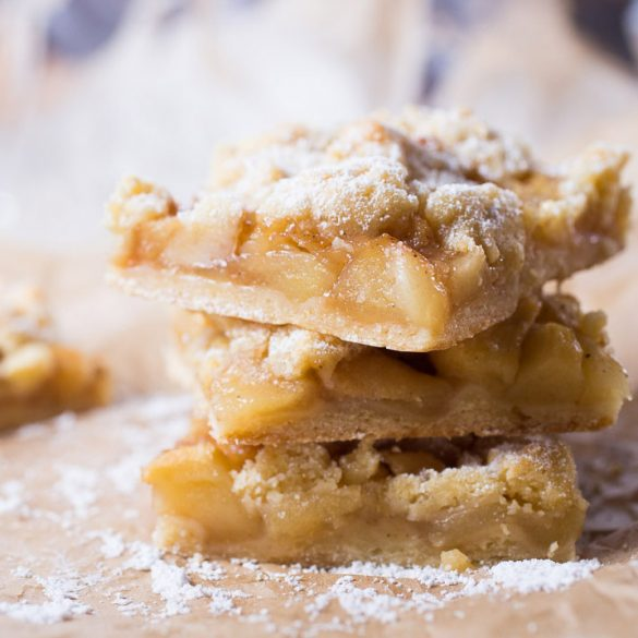 Apple Pie Traybake