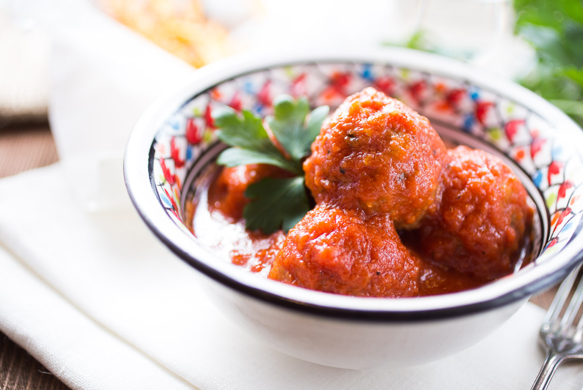 Meatballs And Tomato Sauce Recipe — Dishmaps