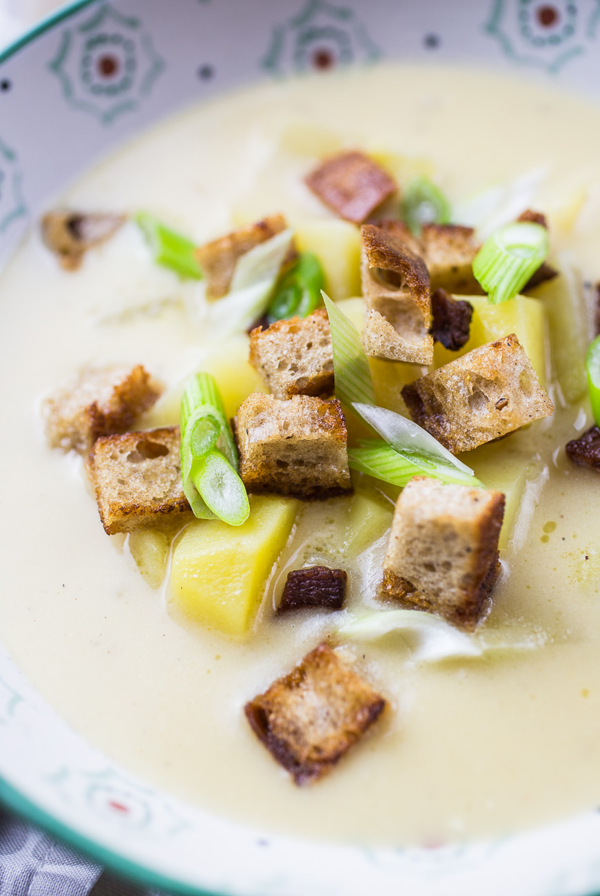 Potato Soup with Croutons { thegirllovestoeat.com }