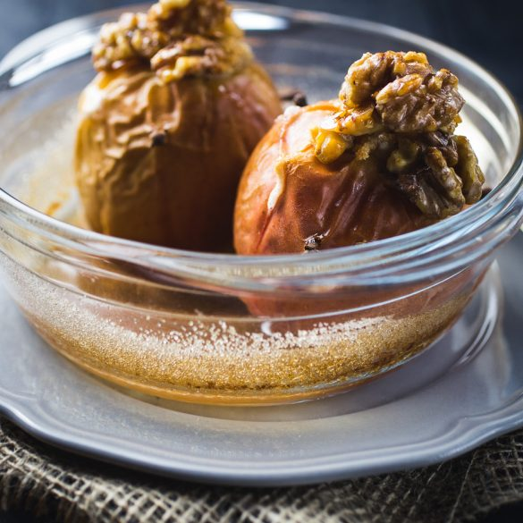 Baked apples with candied walnuts  { thegirllovestoeat.com }